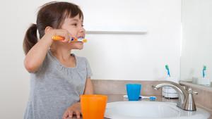 comment se brosser les dents conseils et astuces